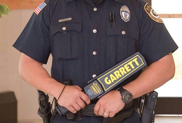 Máy dò kim loại cầm tay Garrett giá rẻ